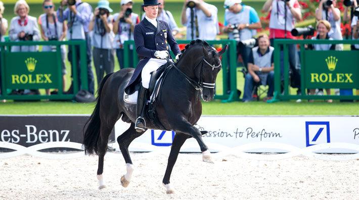 Totilas har nu veterinärundersökts – han ströks ju efter att ha rört sig  orent bak under torsdagens Grand Prix på EM i Aachen. e809c63d6387e