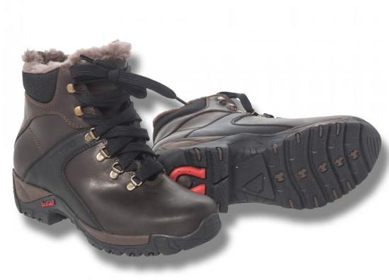 Varma skor till frusna ryttarfötter