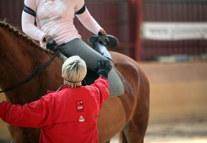 Olycka pa galoppen jockey brot benet